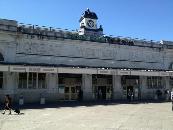 Cardiff-central-Station_meitu_2
