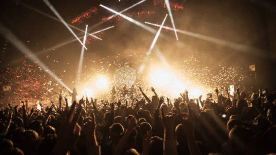 已经11岁的跨年爬梯 | Club De Fromage's New Year's Eve Spectacular