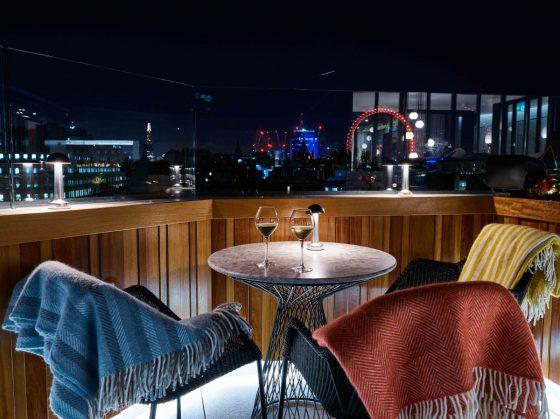 屋顶露台跨年爬梯 | New Year's Eve at The Rooftop St. James