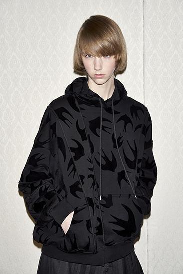 麦昆燕子卫衣黑色