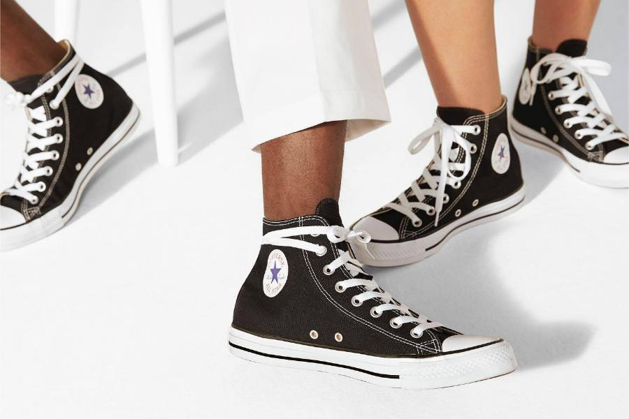 Converse匡威 | 男女经典Chuck Taylors帆布鞋,情人节买2双80镑!