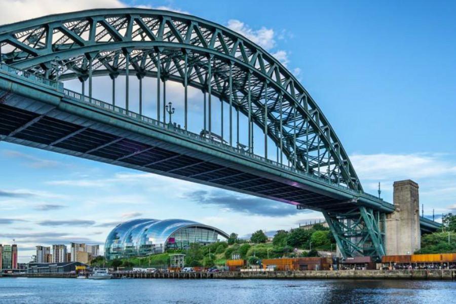 Livingsocial | 周末度假好选择!Newcastle双人豪华酒店住宿48%OFF折扣+气泡酒!