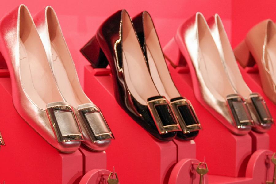 Roger Vivier | 限时闪促,5折收经典方扣系列美鞋、包包!