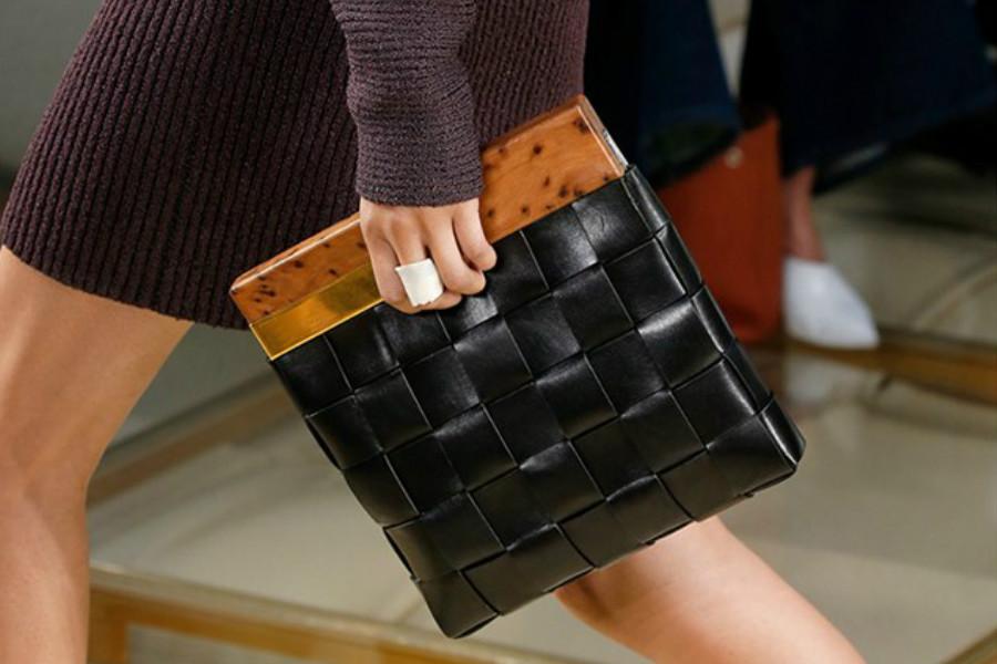 BOTTEGA VENETA | 最高直减200镑,来入编织羊皮钱包和新款手包!