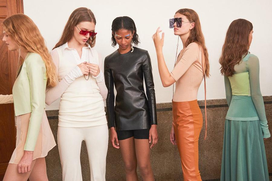 Acne Studios | 精选7折 + 免邮!清爽舒适的时尚理念来入坑,£77入手纯色围巾!