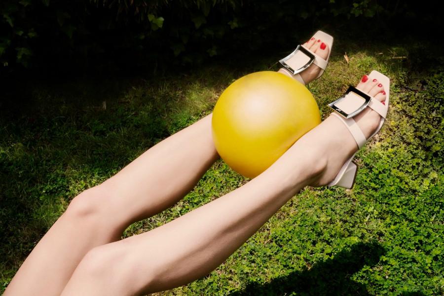ROGER VIVIER   限时闪销新款6折,时髦水晶方扣凉鞋、经典方扣单鞋等都在!