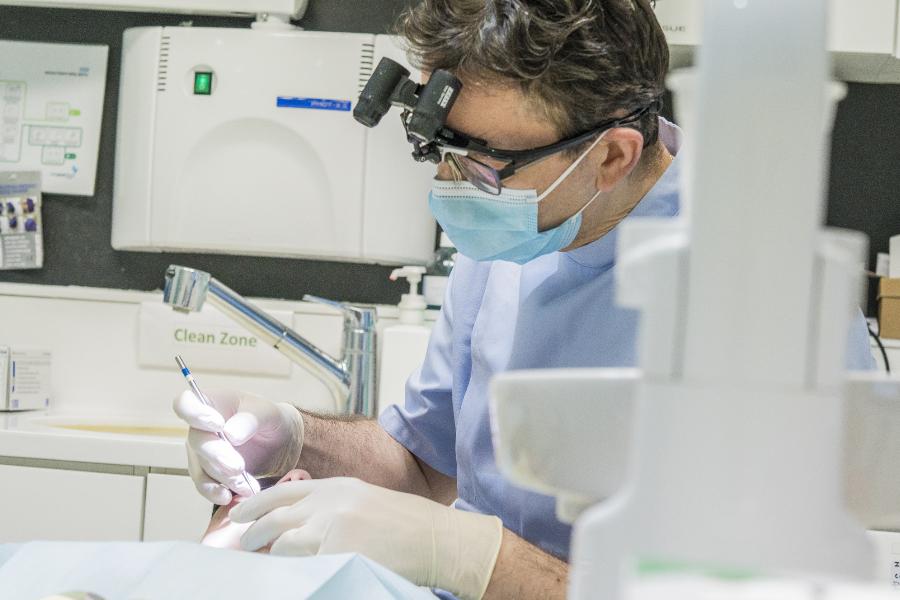 Dentexcel | 伦敦老牌专业牙科诊所隐适美整牙全面恢复,严格防疫,安全看牙