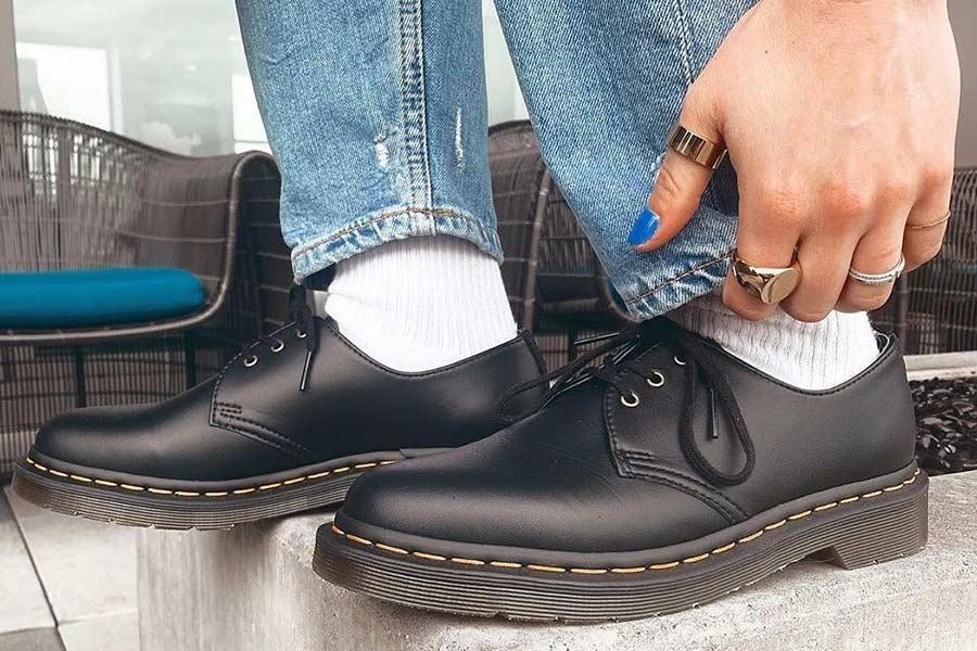 全年最低价!Dr.Martens马丁靴65折!经典8孔款£90.38收