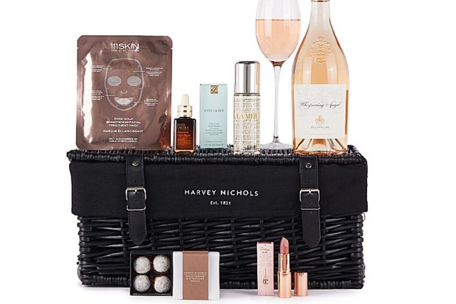 Harvey Nichols母亲&女生节礼盒来啦,美食+礼物+香槟超值一次购齐!